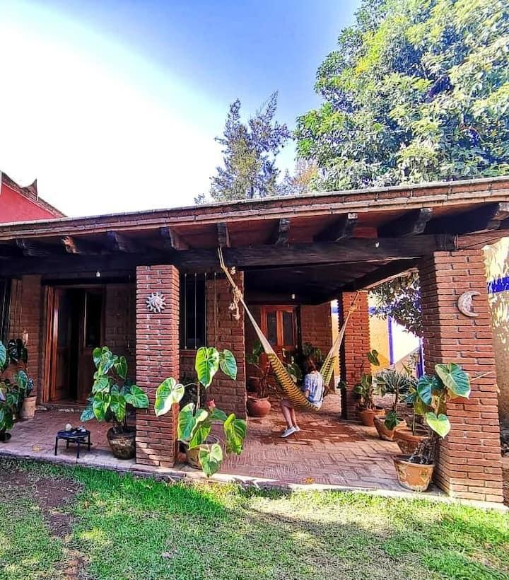 Encantadora casa de descanso con hermoso jardín
