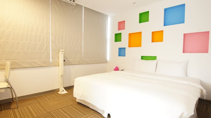 Deluxe Double Bed Room (Window)