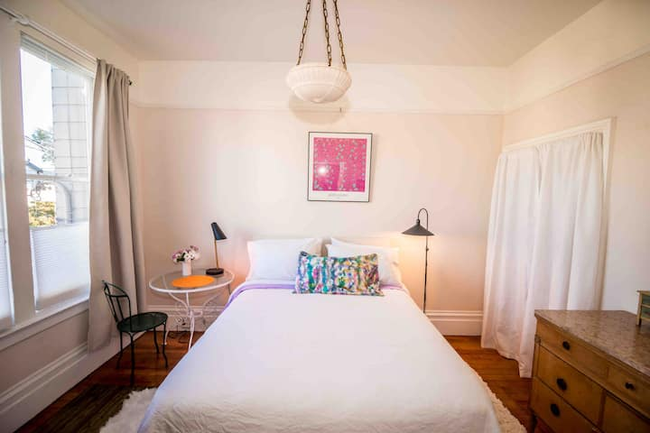 Noe Valley Two Guest Rooms With Bath