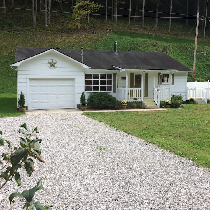 Cowan Creek Cottage
