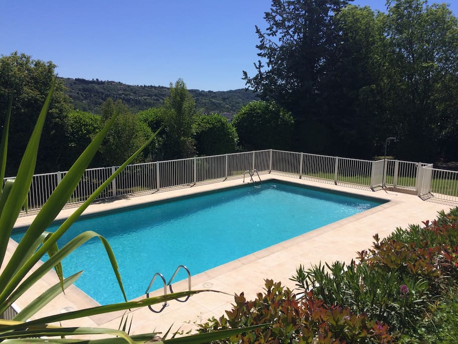 piscine de mai à octobre