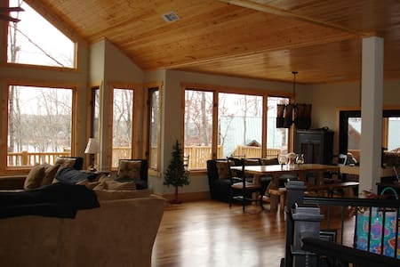 Lake Hartwell Mountain Lake Lodge - Westminster - Dom