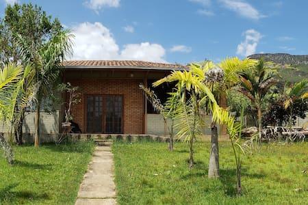 Casa de Campo linda e confortável-Serra dos Alves