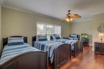 Twin Bedroom, 7 33rd