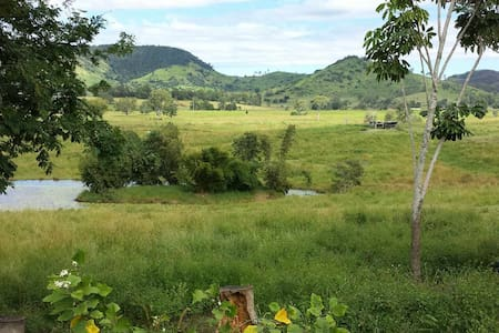Farm Stay Sanctuary Views - Kia Ora - House