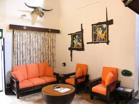 Luxury Room Breakfast in resort at Pench Reserve