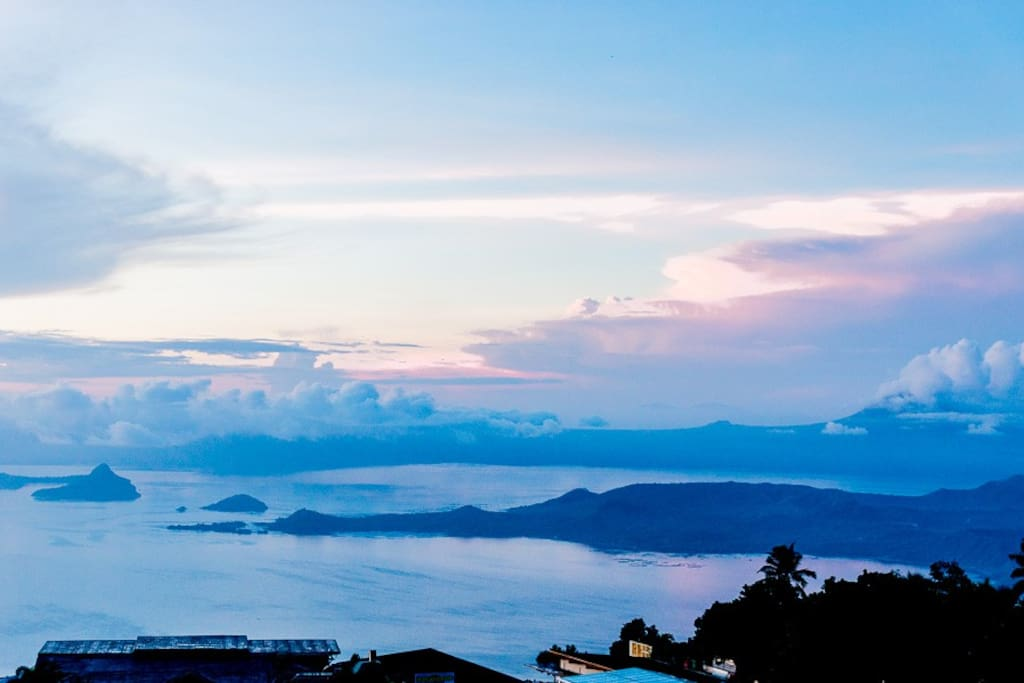Breath-taking beauty of Taal Lake
