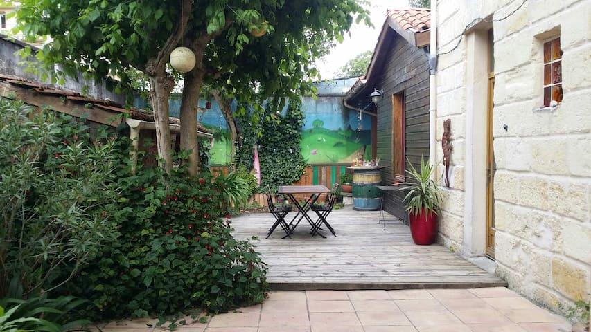 Maison jardin terrasse  calme  10mn centre-ville