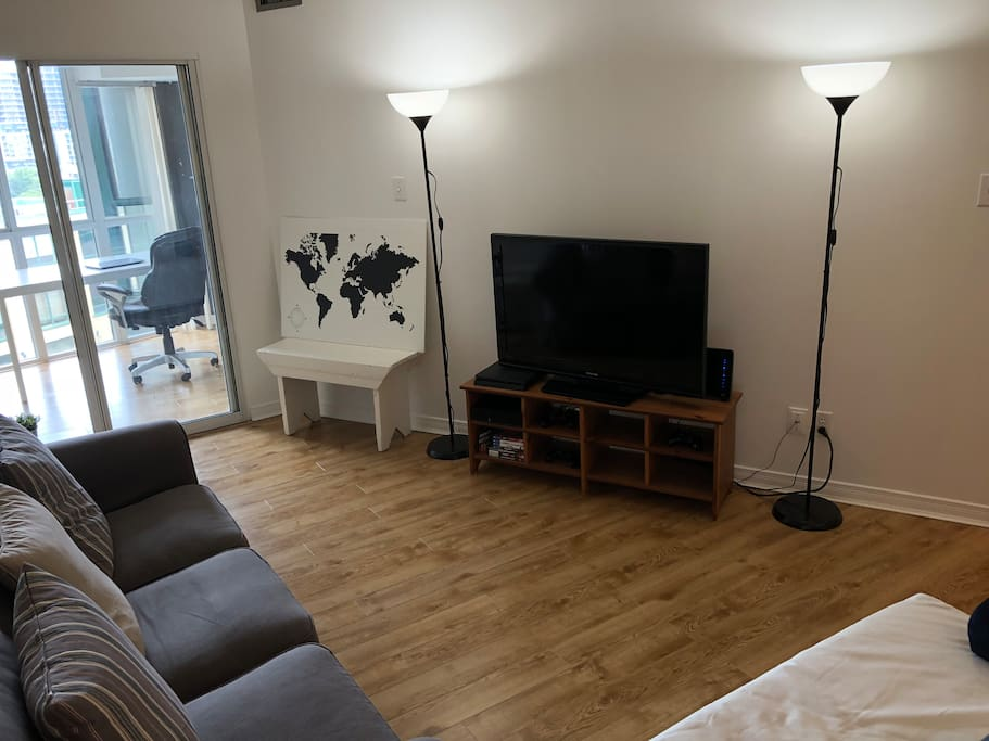 Living Room (Access to Netflix)