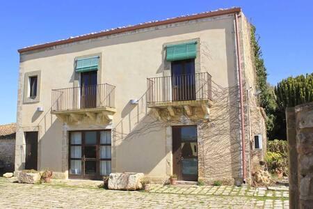 Casa Padronale - Santa Croce Camerina