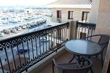 Terraza con vistas al mar // Terrace with sea views