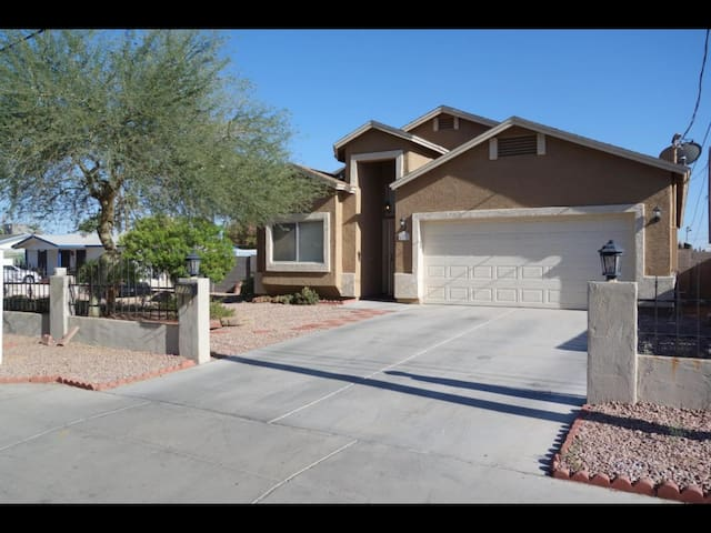 Beautiful remodeled home in Uptown central Phoenix