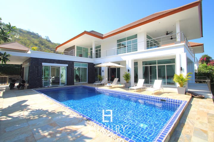 Hua Hin 5 bedroom Mansion close to the beach