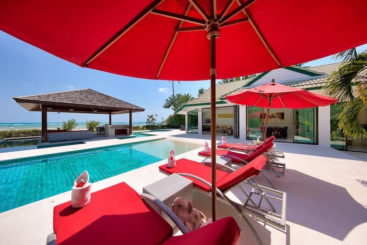 Beautiful beachfront villa with staff
