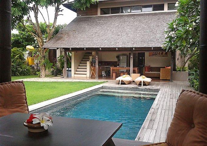 Dukes Villa Bingin Beach - Kuta Selatan - House