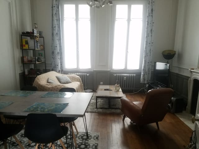 Chambre, hypercentre, dans un logement de standing