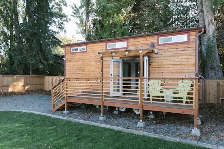 Seattle Tiny House near Airport & Light-rail