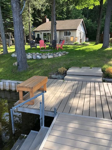 Cottage on the Lake!!