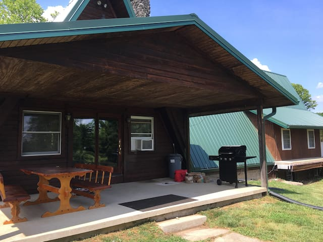 1st Choice Cabin Rentals The Chalet  Hocking Hills - Nelsonville