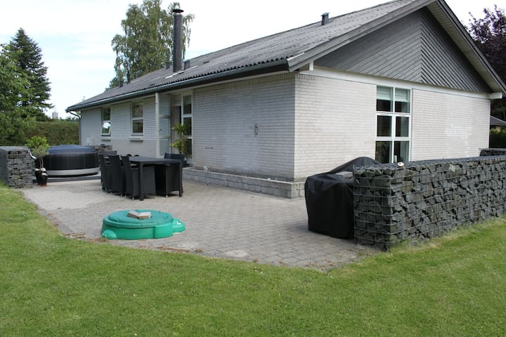 Fantastisk beliggende hus i Odsherred. - Asnæs - Pis