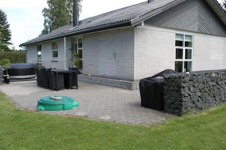 Fantastisk beliggende hus i Odsherred. - Asnæs - Apartament