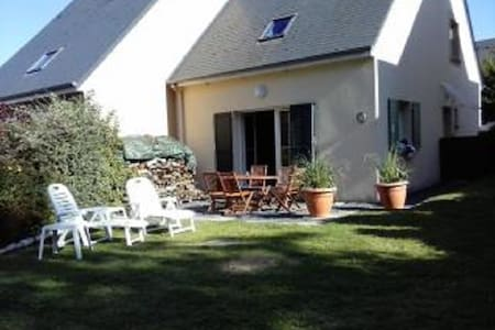 Three bed house, quiet location ide - Port-en-Bessin-Huppain - House
