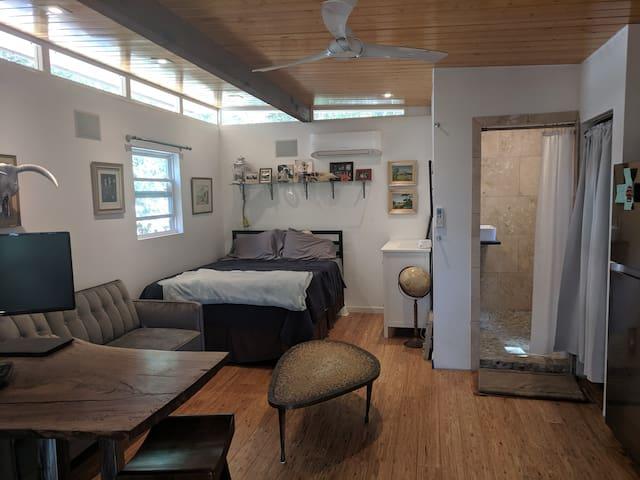 "Westlake Hills Studio - ""Treehouse"""