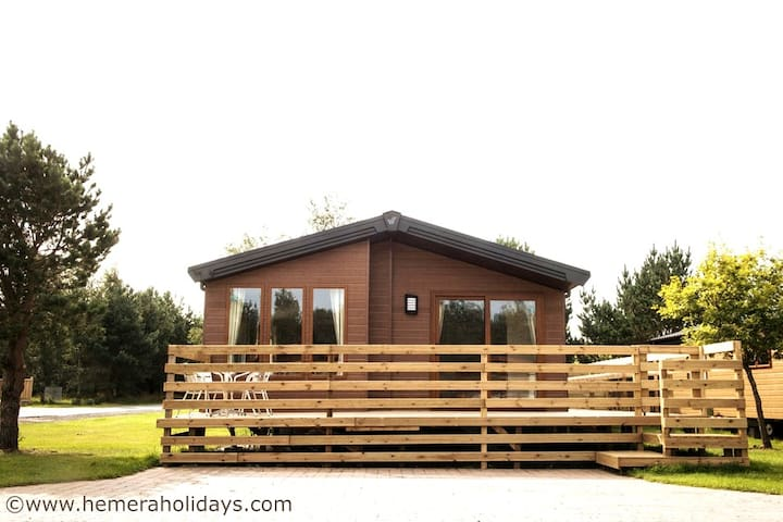 Chatsworth, Luxury Hot tub Lodge, Northumberland