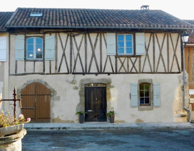 Stylish Town House in Historic Medieval  Village - Peyrusse-Grande