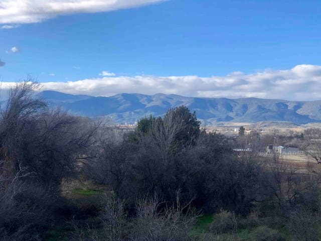 Central Arizona, beautiful views on 2 acres.