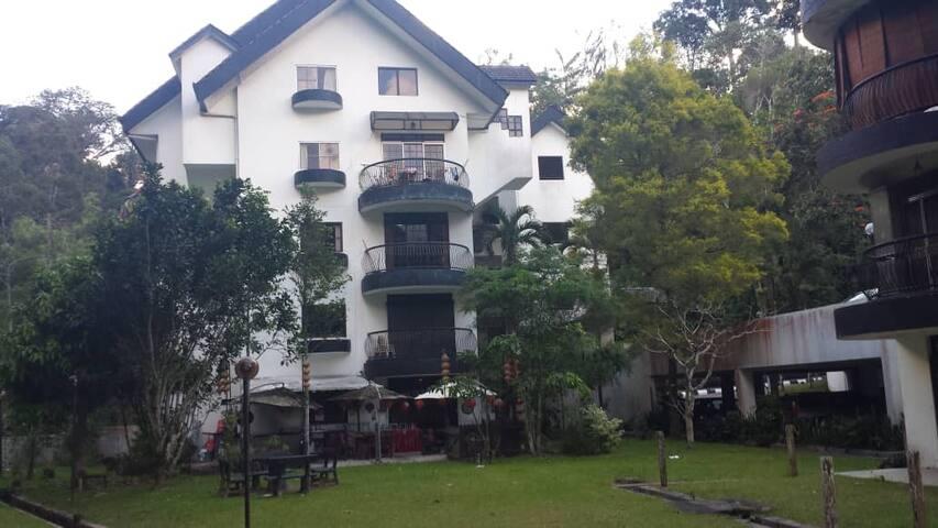 """""""Live Happier"""" In Genting View Resort 305"""