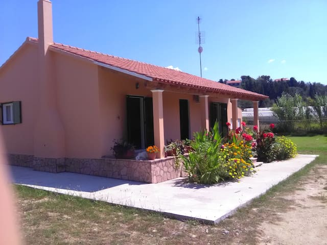 Villa Dimitris - Arillas Magouladon - Talo