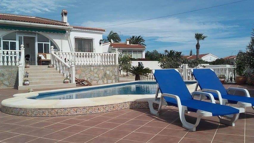 Sjarmerende spansk m pool & garden - Ciudad Quesada - Huis