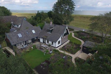 historic private cottage at IJsselmeer in Andijk