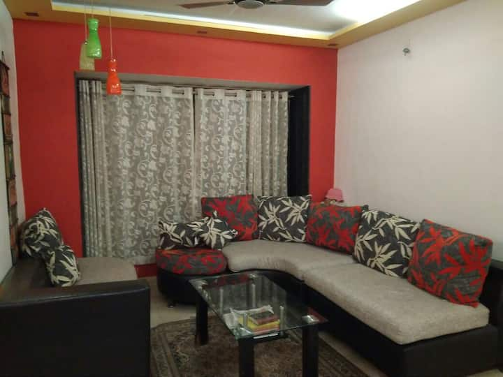 Andheri(W) Cozy Private Room close to Metro/Train