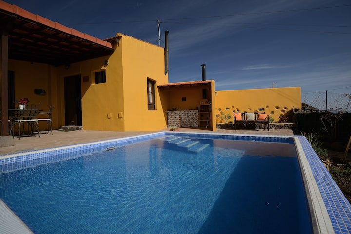 Villa with one bedroom in Las Rosas, with wonderful sea view, private pool, enclosed garden - 10 km from the beach