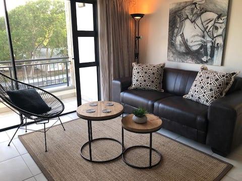 Somerset West near Strand beach-Luxury Apartment