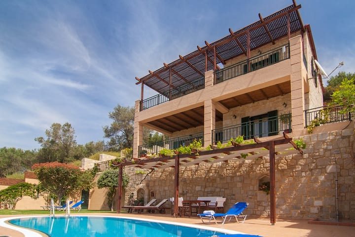 3 bedroom villa near Kissamos