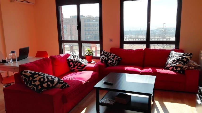 Piso luminoso, amplio y tranquilo - Vic - Lägenhet