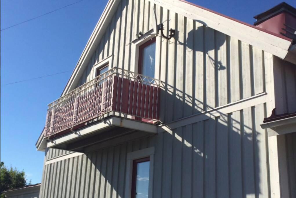 Vindsvåningen med egen balkong