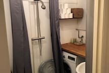 Vaskemaskine på toilettet