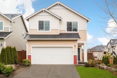 Charming 3bed house in Millcreek/Bothell/Everett - เอเวอเรตต์ - บ้าน