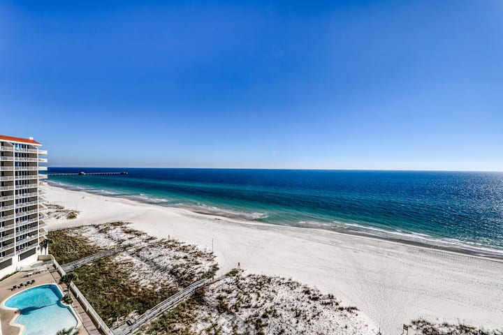 Beachfront condo w/ incredible Gulf views & shared pools, hot tubs & sauna!