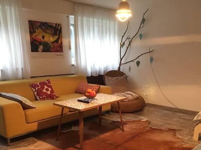 Souterrain / Room near Airport