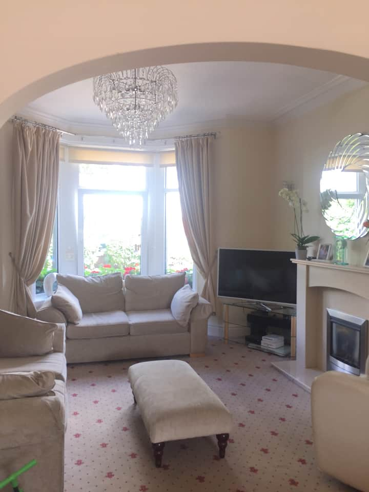 Private Room in homely 3 bed house in Harrogate