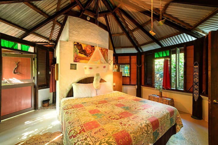 Cocoa Cottage - Honeymoon Suite