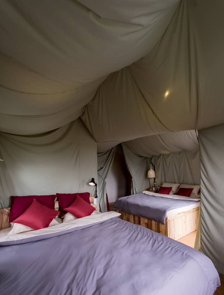 Yolo Camping House - Deluxe twin rooom