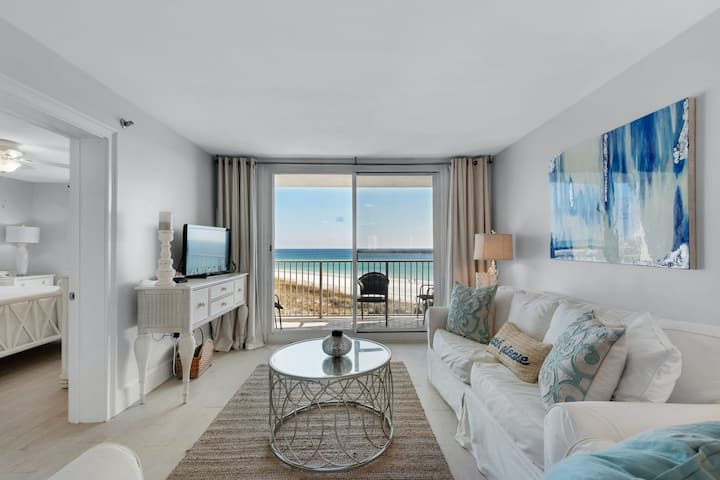Amazing 5th Floor Condo! Gulf Front, Pool, Beach Access, Near Shopping/Dining