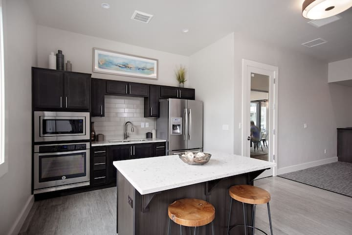 Everything you need | 2BR in Camas