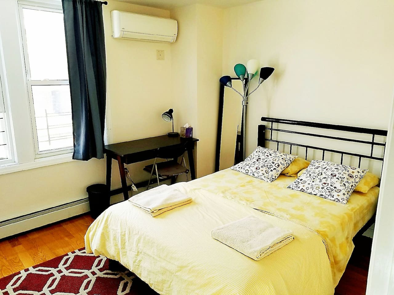 Fully furnished comfortable private bedroom with lot of sunshine. Work Friendly as well
